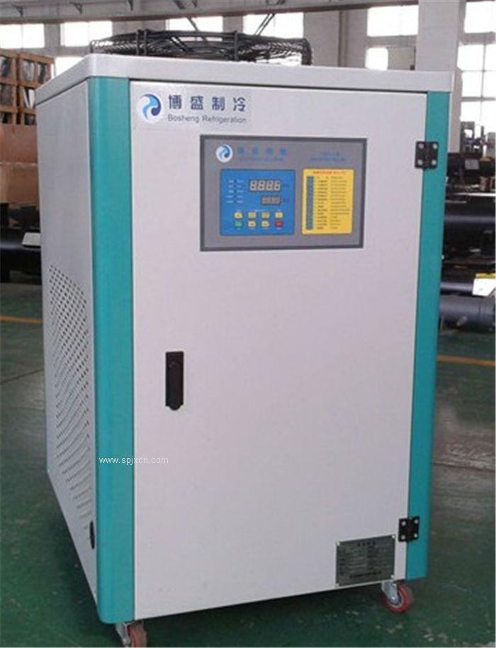 上海工業冷水機,箱式低溫冷水機